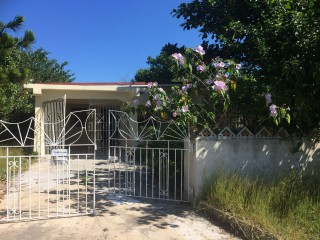 Gosford Road, St. Catherine, Jamaica - House for Lease/rental